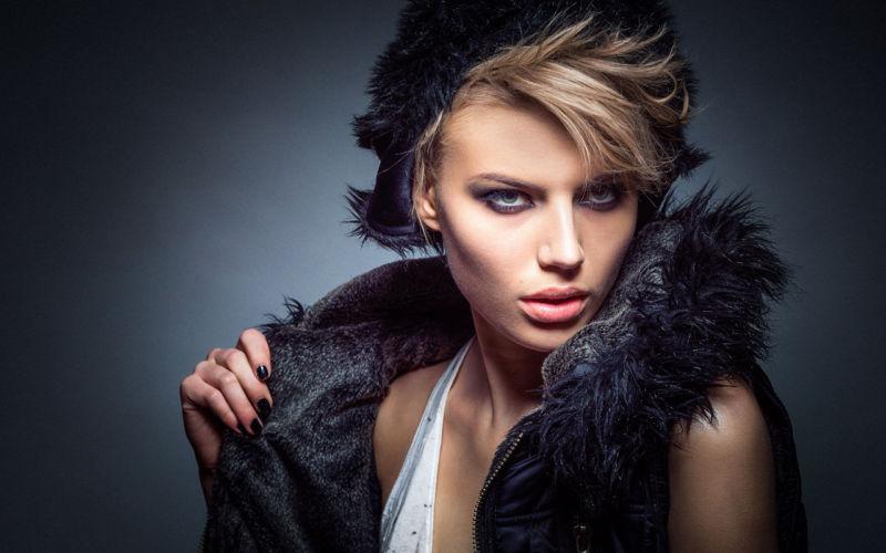 Fashion magazine (Demo)